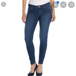 LAUREN CONRAD High Rise Skinny Jean's Size 6